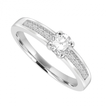 Platinum Diamond Solitaire Ring with set shoulders 0.33ct/.20ct