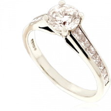 Platinum Diamond Solitaire ring with Princess cut Shoulders