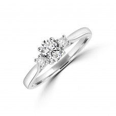 Platinum Three-stone ESi2 Oval & Brill cut Diamond Ring