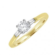 18ct Gold Solitaire & Tapered Baguette Diamond Ring