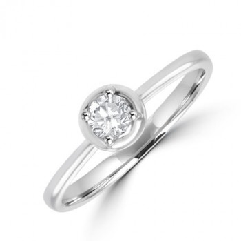18ct White Gold Solitaire Diamond Ring