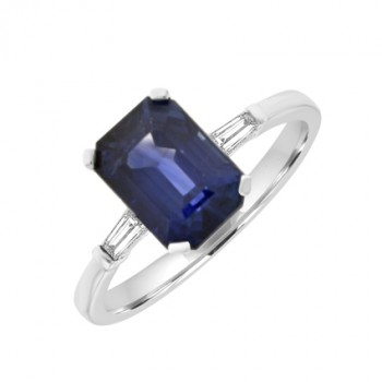 18ct White Gold Emerald cut Sapphire Solitaire Ring