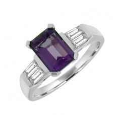 18ct White Gold Amethyst & Baguette Diamond Solitaire Ring
