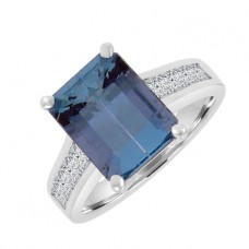 18ct White Gold Aqua Solitaire Ring with Princess cuts