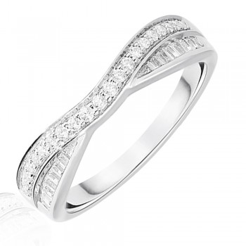 Platinum .25ct Brilliant & Baguette Diamond Overlap Ring