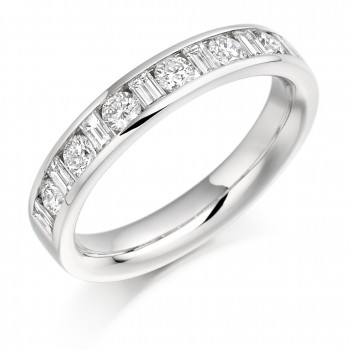 18ct White Gold Baguette & Brilliant cut .76ct Diamond Ring