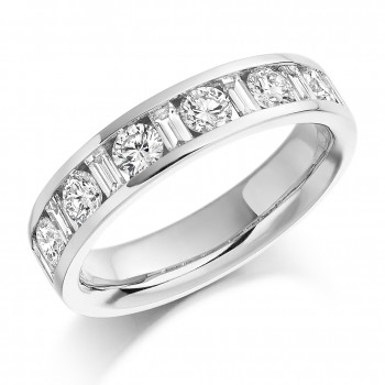 18ct White Gold Baguette & Brilliant 1.08ct Diamond Ring