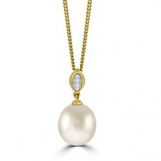 18ct Gold Freshwater Pearl & Pave Diamond Pendant