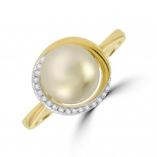 9ct Gold Freshwater Pearl & Diamond Surround Ring